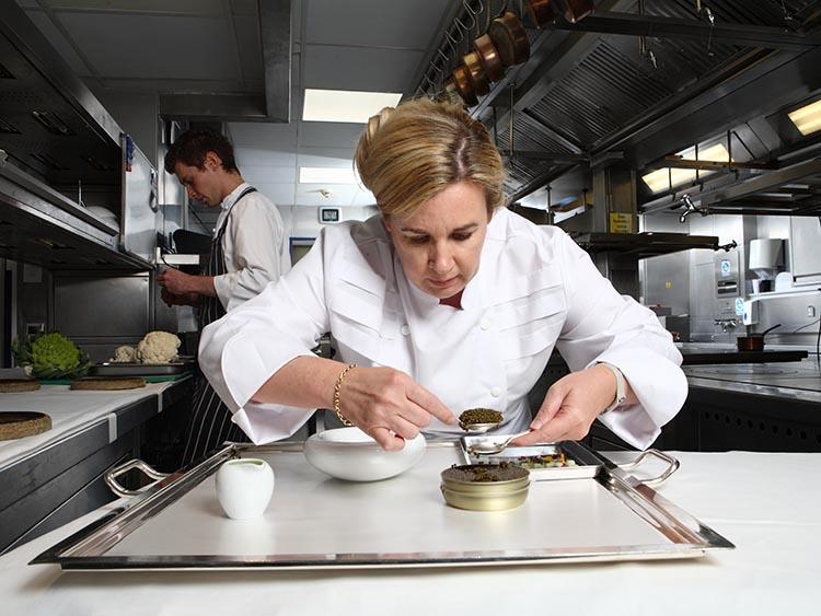 Hélène-Darroze-Mejor-Chef-Femenina-2015